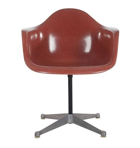 Eames Dining Chairs For Sale Mid Century Charles Eames Herman Miller Fiberglass Dining Chairs In Terracotta For Sale At 1stdibs
