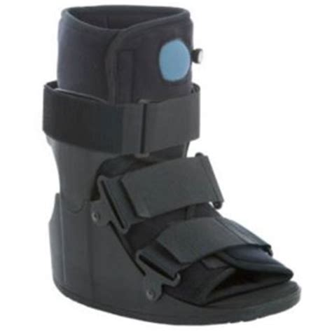 foot stress fracture boot run run stress fracture