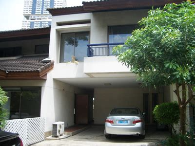 houses for rent that allow large dogs house for rent in sukhumvit near prompong bts pet friendly 70000 baht