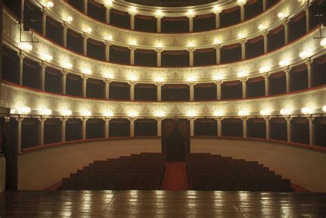 teatro degli illuminati cittã di citt 224 di teatro comunale degli illuminati