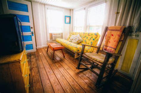 Beautiful Small Dorm Room Ideas #6: Rocking-chair-349689_1280.jpg