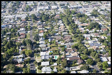 what is a housing tract photograph by philip greenspun la tract housing aerial 3