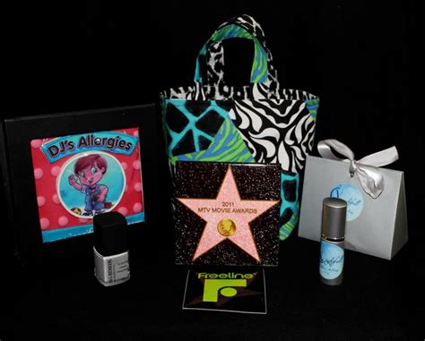 Whats In The Mtv Awards Goodie Bags by 2011 Mtv Awards Gift Lounge Media Teaser Bags