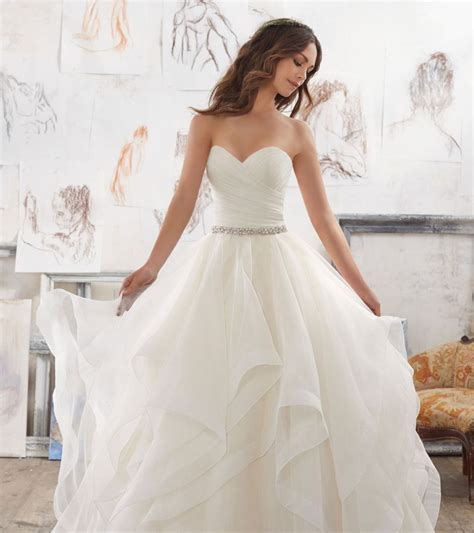 Preloved Dress Simple From Sc editor s choice our favourite wedding dresses australia wide easy weddings