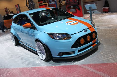 gulf racing gulf livery ford focus st is true blue at sema 2013