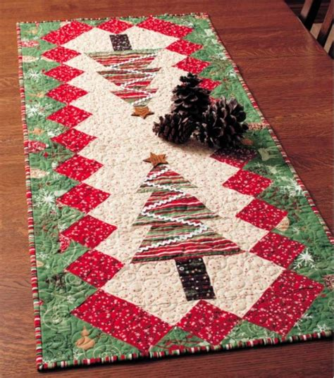 free pattern for christmas tree table runner quilted table tinsel table runner diy mandala embellished