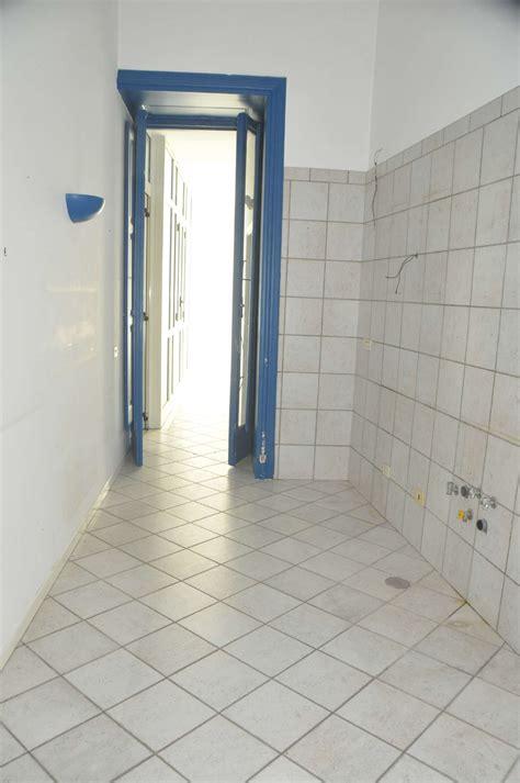 appartamenti posillipo appartamento in vendita napoli via posillipo cambiocasa it