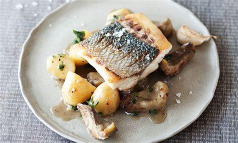 cucinare branzino branzino con carciofi e patate la ricetta facilissima