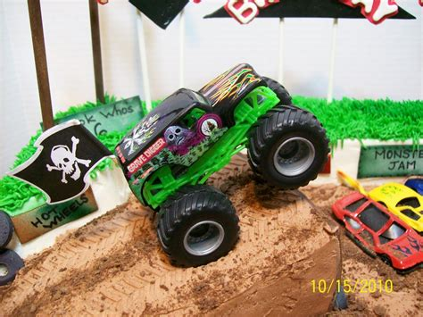 monster trucks videos grave digger cakes by chris grave digger monster truck