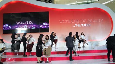 Di Shiseido Jakarta shiseido pecahkan rekor makeover 100 orang dalam 100 menit