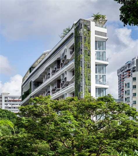 dp architects dp architects alternate the garden levels of jardin in singapore