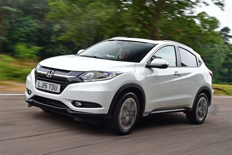 Towing Honda Hrv new honda hr v uk review pictures auto express
