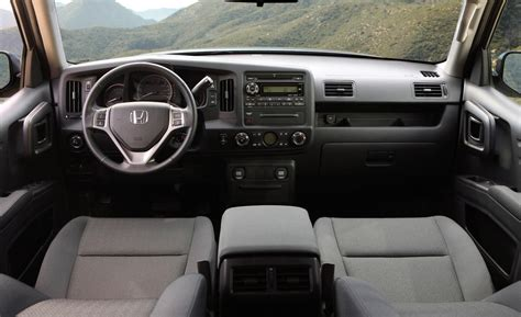 Honda Ridgeline 2014 Interior car and driver