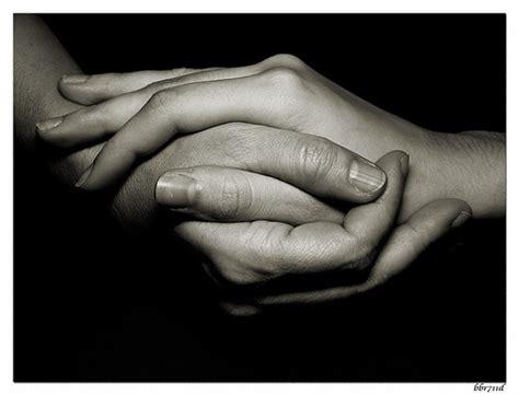imagenes de varias manos rinc 243 n de yolanda las manos que nos sujetan