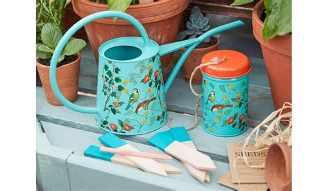 best christmas gifts for gardeners ten of the best gifts for gardeners homes and property