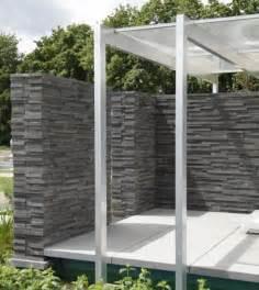 terrasse gestalten modern terrasse gestalten garten modern kunstrasen garten