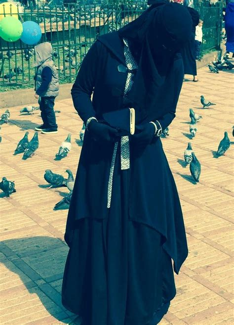 beautiful women islamic clothing abaya hijab at the park hijablove pinterest park niqab and