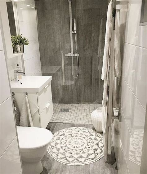 Ideas On Remodeling A Small Bathroom by Best 25 Small Bathroom Remodeling Ideas On
