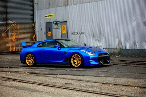 blue nissan gtr wallpaper strasse wheels aplha 12 nissan gtr cars coupe blue