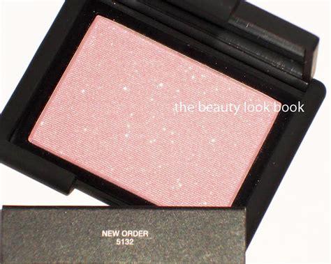 Nars Sand Highlighting Blush nars new order highlighting blush powder and laguna
