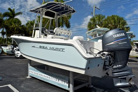 used sea hunt triton boats for sale used 2007 sea hunt triton 220 center console boat for sale