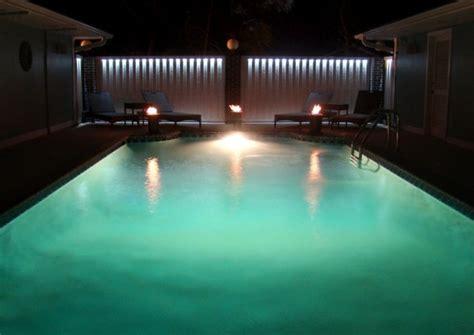 Beleuchtung Pool by Die Passende Pool Beleuchtung Finden Archzine Net