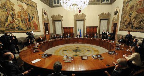 governo consiglio dei ministri monti presenta il resoconto suo governo