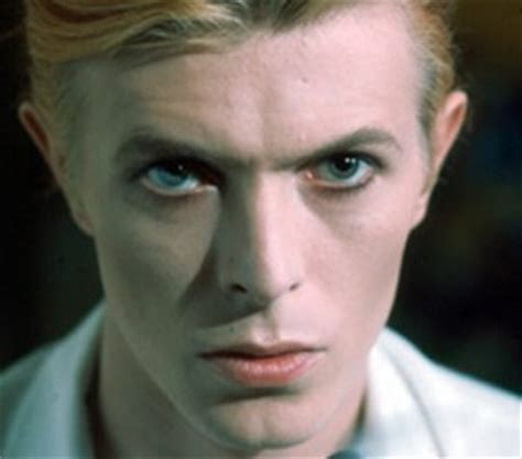 david bowie eye color nine with heterochromia and one without mental