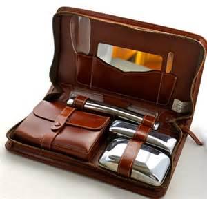 Vintage Vanity Grooming Set Vintage Mens Travel Vanity Grooming Set Complete In Leather