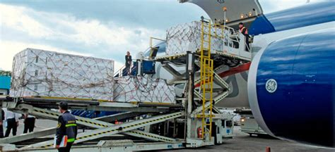 heavy cargo lifting  saudi arabia ship land flight