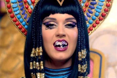 download mp3 geisha unconditionally katy perry se transforma en una reina egipcia para su