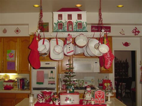 vintage kitchen decorating ideas vintage kitchen red white christmas decoration digsdigs