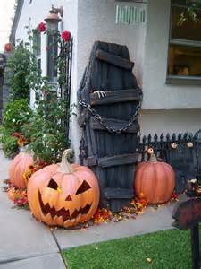 Halloween Spooky Decorations 50 Best Diy Halloween Outdoor Decorations For 2017