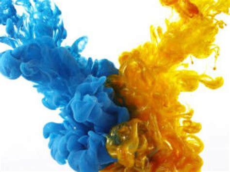 imagenes en resolucion 4k brillante video de dispersi 243 n de gotas de tinta en ultra
