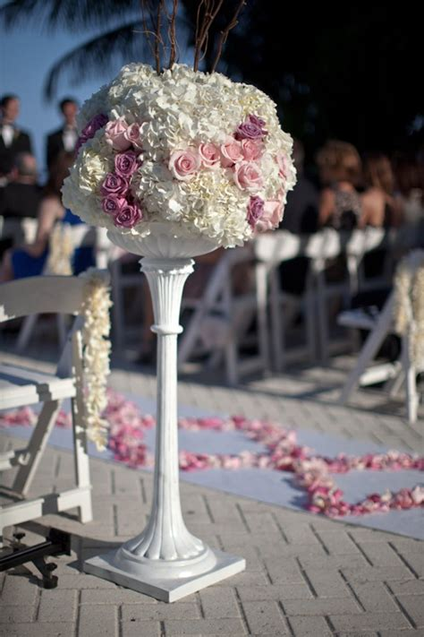 Wedding Flowers Ideas by Wedding Ceremony Flowers The Magazine