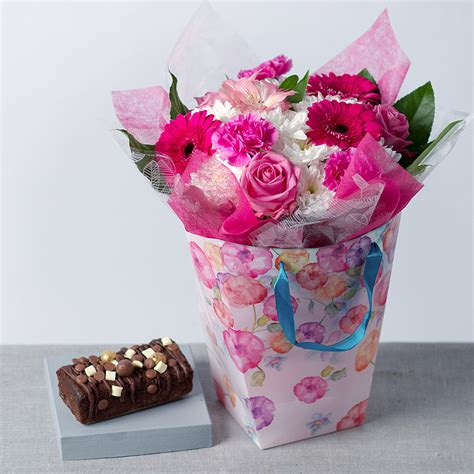 Flower Gift by Birthday Gift For Flower Gift Bag Cake And Flowers