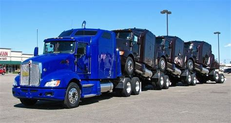 brand new kenworth brand new kenworth tractors pull out of the chillicothe