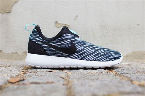Sepatu Nike Air Rosherun 18 Olahraga Sneaker Running nike roshe run no laces