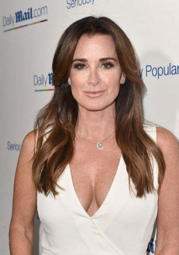 kyle richards needs to cut her hair 6 fabulous kyle richards long hairstyles long brunette