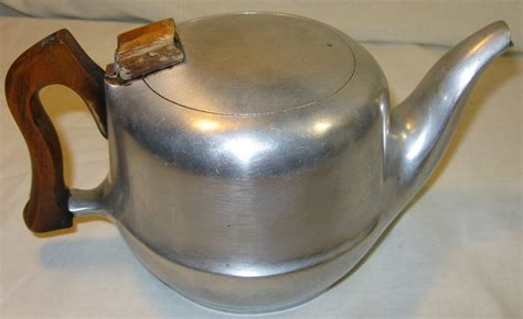 Pot Tawon 21 Cm 1 Lusin other kitchenalia vintage made in picquot ware t6 tea pot h 11 5cm excluding handle