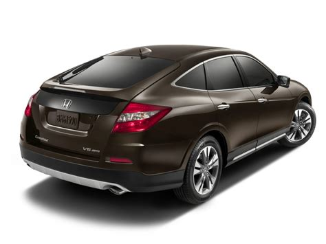 hon da after six years slow sales the honda crosstour is dead