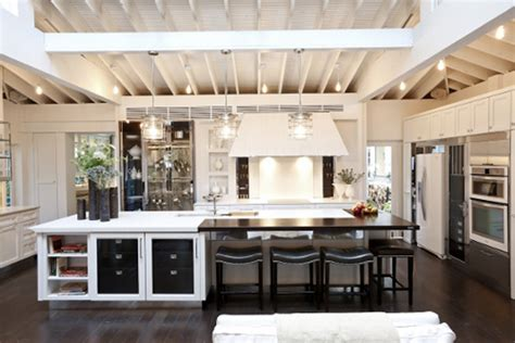 trends in kitchen design what s hot in the kitchen design trends for 2013