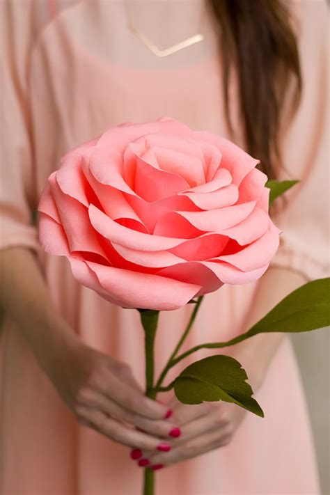 Make Crepe Paper Roses - and lois20 favorite diy paper flower tutorials