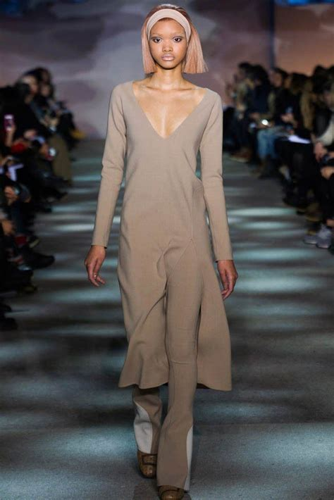 marc jacobs runway models shag hairstyles 17 best images about runway headband trends on pinterest