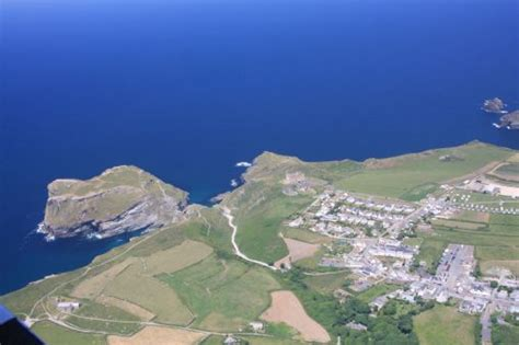 tintagel cornwall tourist guide map  accommodation businesses history