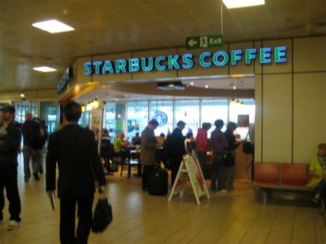 glasgow airport flight arrivals at glasgow airport live starbucks restaurant and bar at glasgow airport hsr123 的