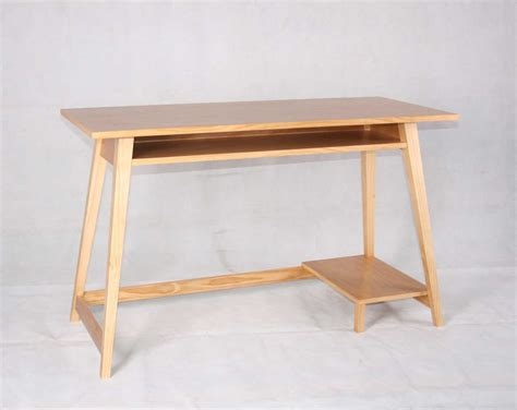 Wooden Computer Desk Plans Building A Simple Wooden Desk Woodworking Projects