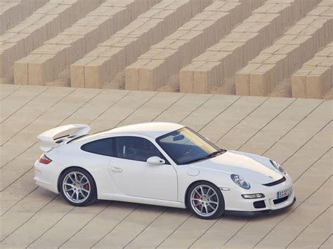 porsche white gt3 porsche 911 gt3 white wallpaper 1600x1200 17692
