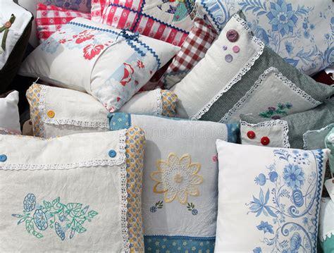 cuscini fatti a mano cuscini fatti a mano illustrazione di stock illustrazione