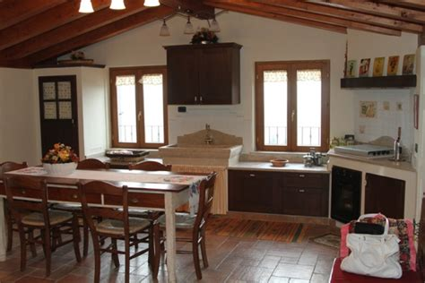 Camini In Muratura Ad Angolo by Cucina In Muratura Con Lavello In Marmo Camini Fai Da Te